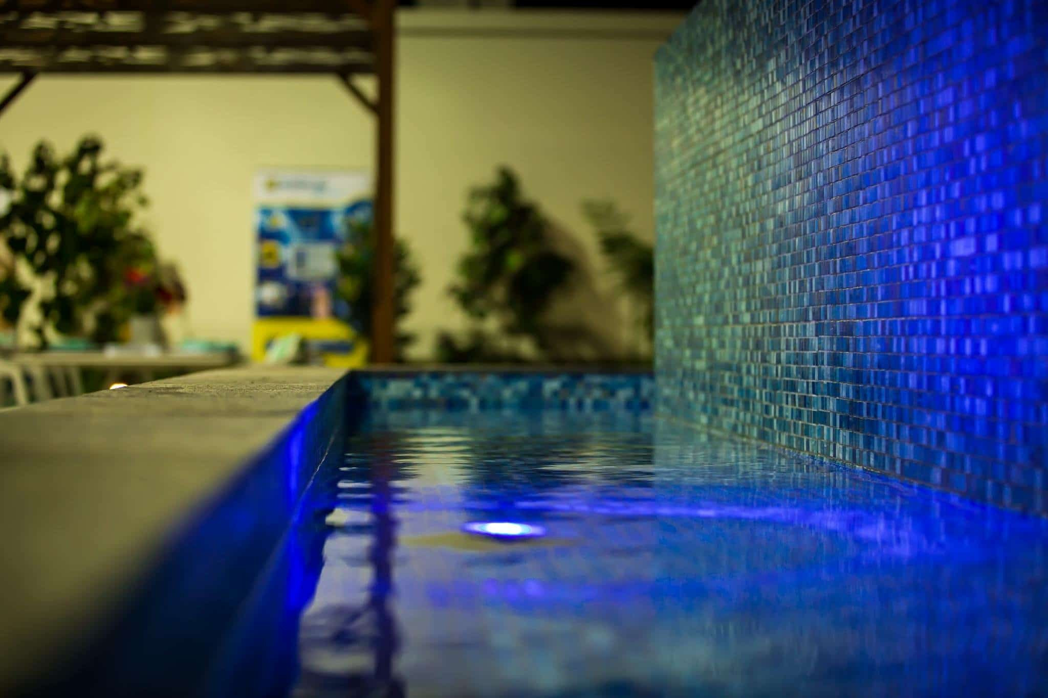 pool shows brisbane infinity pools media expo